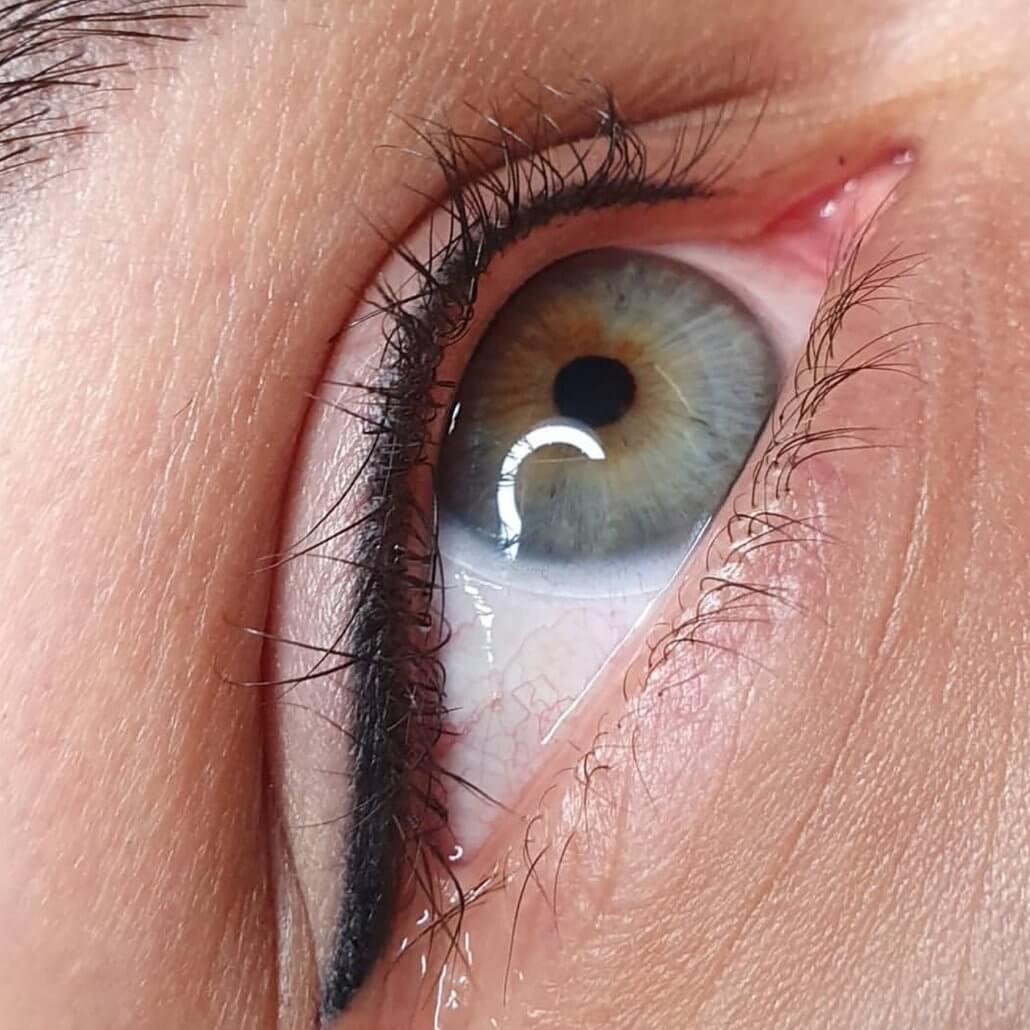 تتوی خط چشم
